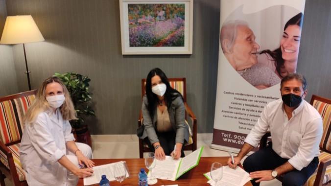 Los centros DomusVi en Sevilla programan talleres que mejoran el bienestar emocional de sus mayores