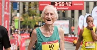 Visto en la red. Termina un maratón en menos de 4 horas... ¡con 85 años!