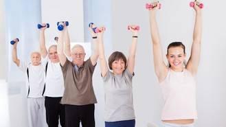 Ejercicio en verano para mayores de forma segura: claro que es posible