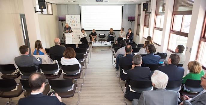 """Un mercado regulatorio """"poco claro y desfavorable"""" dificulta la extensión del seguro de dependencia en España"""