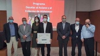 El equipo técnico de la Residencia Los Filabres de Gérgal, el Director Técnico del Programa 'Desatar', el Dr. Antonio Burgueño y Vicente Pérez Cano, Vocal de la Junta Directiva de CEOMA.