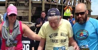 Visto en la red. Sobrehumano a sus, ¡atención!, 97 años