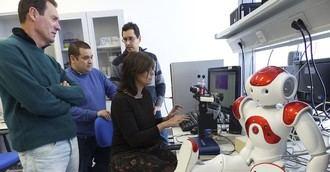 Investigadores de la UJA trabajan para crear un robot que 'atienda' a personas mayores