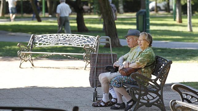 Un tercio de los hogares españoles subsiste gracias a la pensión de una persona mayor