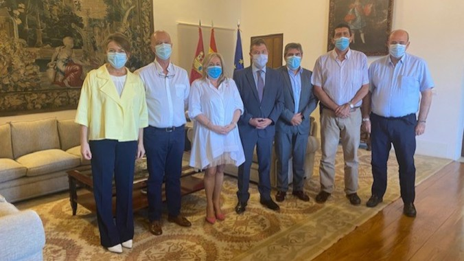 ACESCAM valora la disposición de García Page para mejorar la situación de las residencias tras la pandemia
