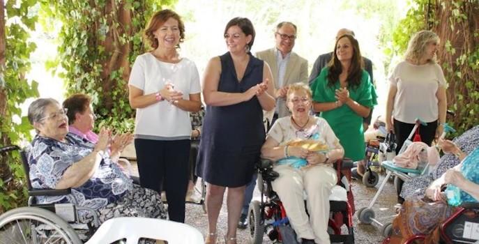 2.854 mayores se incorporan esta Legislatura a plazas residenciales públicas en Castilla-La Mancha