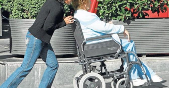 Madrid amplía en 9,1 millones el gasto para prestaciones económicas por dependencia