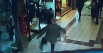 Visto en la red: Un hombre de 84 años detiene a un ladrón de joyas