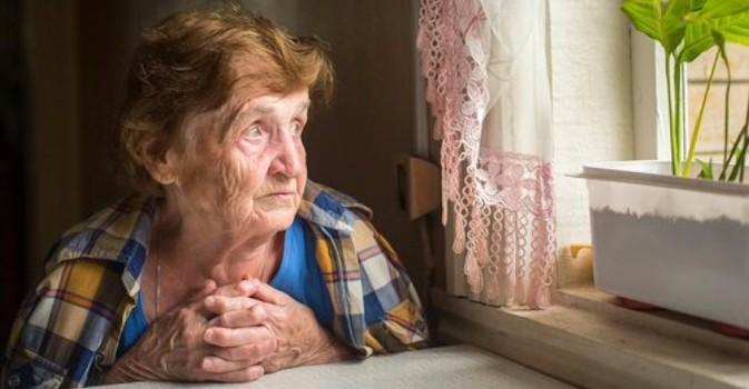 En busca de voluntarios para conversar con los más mayores