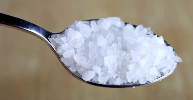 Cómo la ingesta de sal puede salvar de una caída mortal