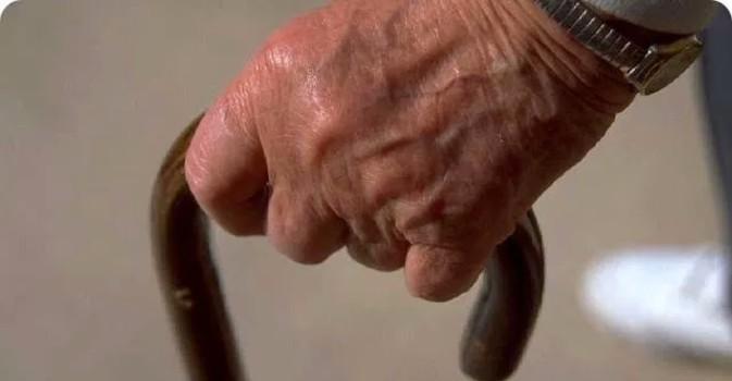 La CAM destina 35 millones a garantizar 1.181 plazas de personas mayores dependientes