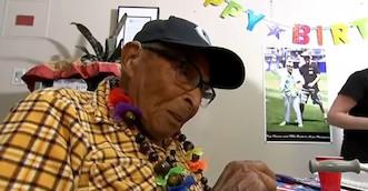 Visto en la red: el sobreviviente más longevo de Pearl Harbour cumple 105 años