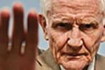 Un teléfono de ayuda para las personas mayores maltratadas
