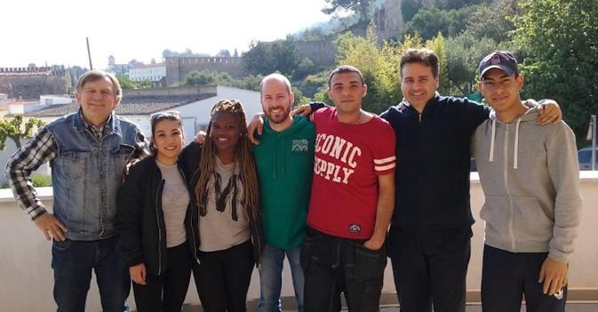 Cuatro alumnos suecos finalizan sus prácticas en una residencia valenciana