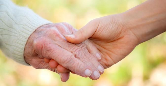 El factor de riesgo individual más importante para el cáncer es el envejecimiento
