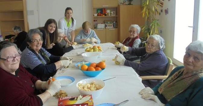 Consejos de alimentación para nuestros mayores tras las celebraciones navideñas